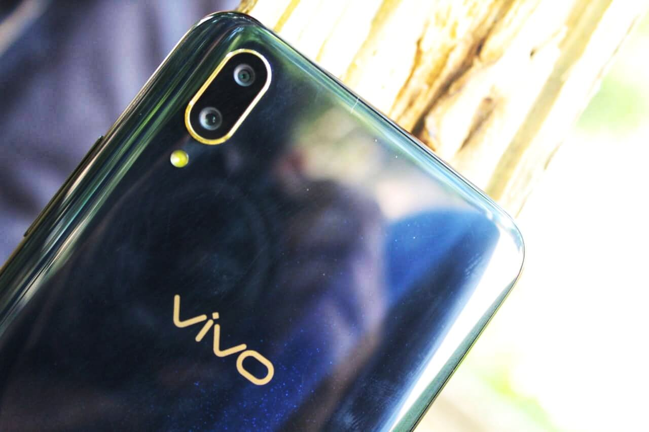 Vivo V11 Pro Review- Stand Apart - The Unbiased Review